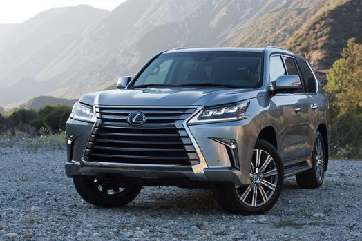 The new 2016 Lexus LX 570 head on