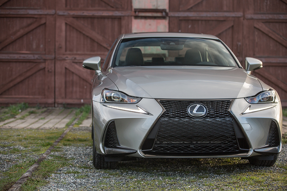 Lexus IS Headlamps and Spindle Grille