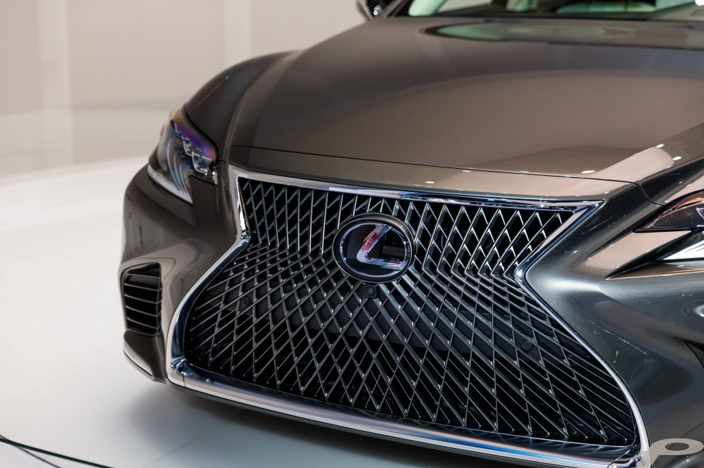 2018 Lexus LS Grille