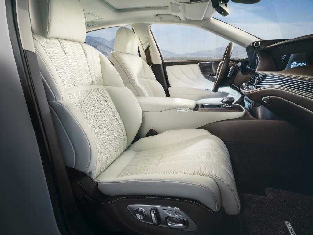 2018 Lexus LS Seats