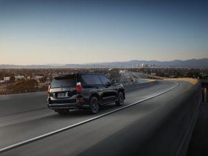 2022-Lexus-GX-Black-Line